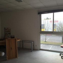 Location Local d'activités Saint-Maximin 725 m²