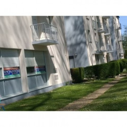 Location Local commercial Chinon 87,35 m²