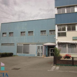 Location Local commercial Trappes 84,26 m²