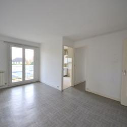 Appartement 3 pièces avec balcon - cave et parking
