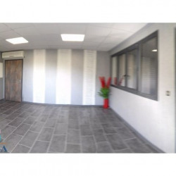 Location Local commercial Saint-Savin 33 m²