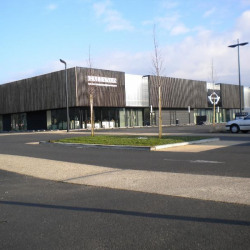 Location Local commercial Vannes 240 m²