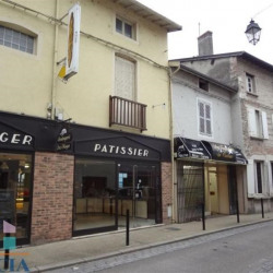 Location Local commercial Montluel 210,48 m²