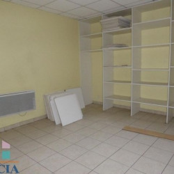 Location Local commercial Laval 83 m²