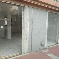 Location Local commercial Saint-Laurent-du-Var 52 m²