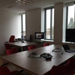 Location Bureau Noisy-le-Grand 1063 m²