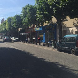 Location Local commercial Montreuil 160 m²