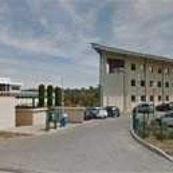 Location Bureau Aix-en-Provence 1296 m²