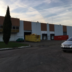 Location Entrepôt Épône 36436 m²