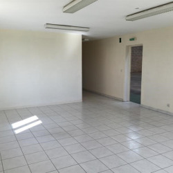 Location Local d'activités Angerville-la-Campagne 982 m²