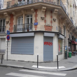 Location Local commercial Paris 18ème 47 m²