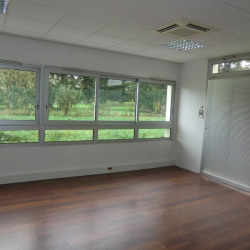 Location Local commercial Tours 450 m²