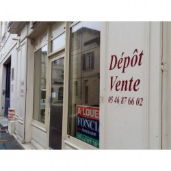 Location Local commercial Rochefort 68,78 m²