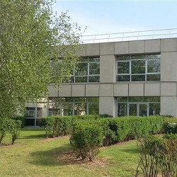 Location Bureau Roissy-en-France 915 m²