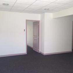 Location Bureau Auray 95 m²