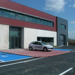 Location Local d'activités Taverny 3854 m²