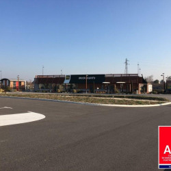 Location Local commercial Soyons 508 m²