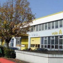 Location Local d'activités Paris 18ème 2377 m²