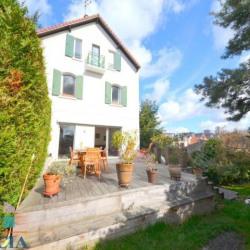SURESNES LIBERTÉ - Maison familiale de 250m² avec terrain de 380