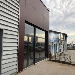 Location Local commercial Ahuy 167 m²