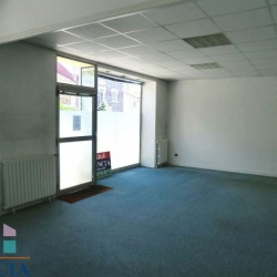 Location Local commercial Lourdes 52,3 m²