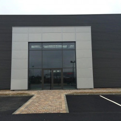 Location Local commercial Chartres 450 m²