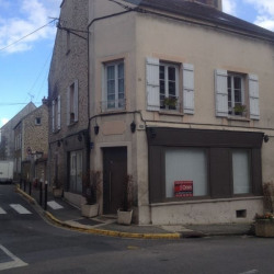 Location Local commercial Chaumes-en-Brie 90 m²