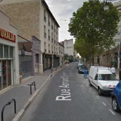 Location Local commercial Courbevoie 325,5 m²