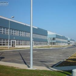 Location Entrepôt Combs-la-Ville 2060 m²