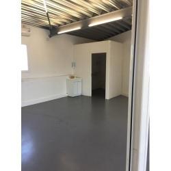 Location Bureau Venelles 108 m²
