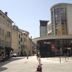 Location Local commercial Chambéry 806 m²