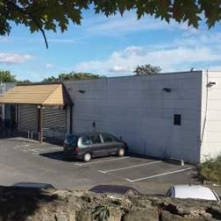 Location Local commercial Carrières-sous-Poissy 800 m²