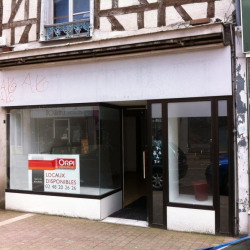 Location Local commercial Bourges 65 m²