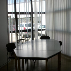 Vente Bureau Nîmes 723 m²