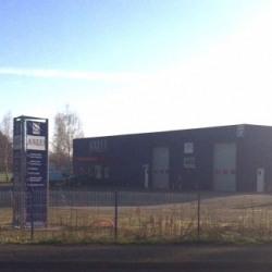 Location Local d'activités Saint-Denis-lès-Bourg 300 m²