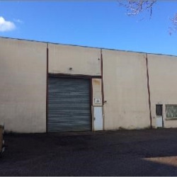 Location Local commercial Vaulx-en-Velin 500 m²
