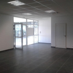 Location Local commercial Mondeville 110 m²