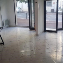 Location Local commercial Antibes 65 m²