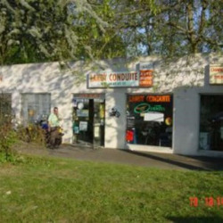 Location Local commercial Lardy 35 m²