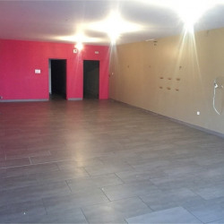 Location Local commercial Troyes 140 m²