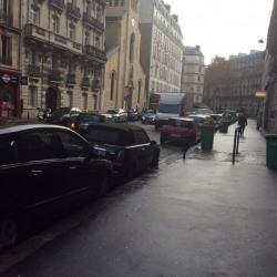 Location Local commercial Paris 17ème 74 m²