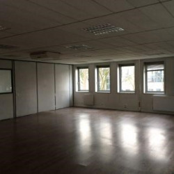 Location Local d'activités Éragny 270 m²
