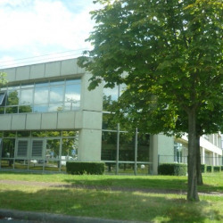 Location Bureau Roissy-en-France 915 m²