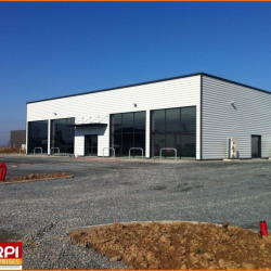 Location Local commercial Domérat 500 m²