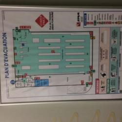 Location Local d'activités Fontaine 875 m²