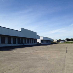 Location Entrepôt Certines 25997 m²