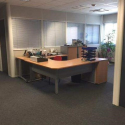 Location Bureau Vitrolles 175 m²