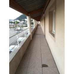 Location Local commercial Meyreuil 665 m²