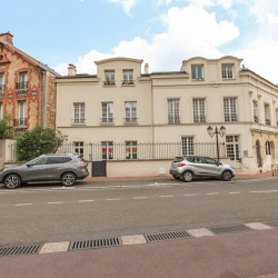 Location Local commercial Saint-Cloud 50 m²