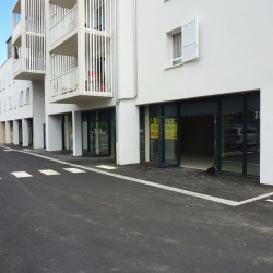 Location Local commercial Idron 0 m²
